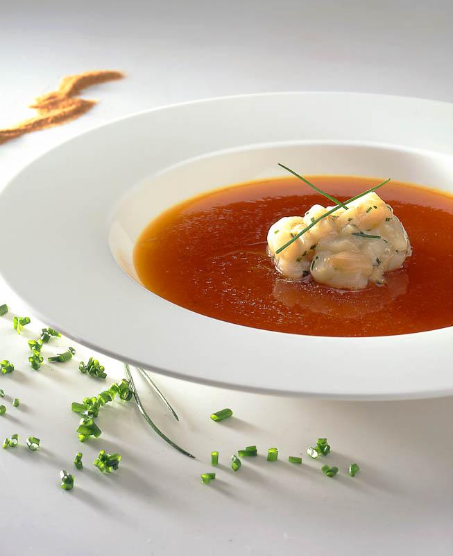 Cocina de Canarias. La evolucion-Entrantes_8-A_Sopa_de_Higo_Pico_con_Vieiras_Marinadas