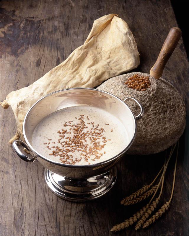 Food photography. Plato tradicional canario-potaje_de_trigo