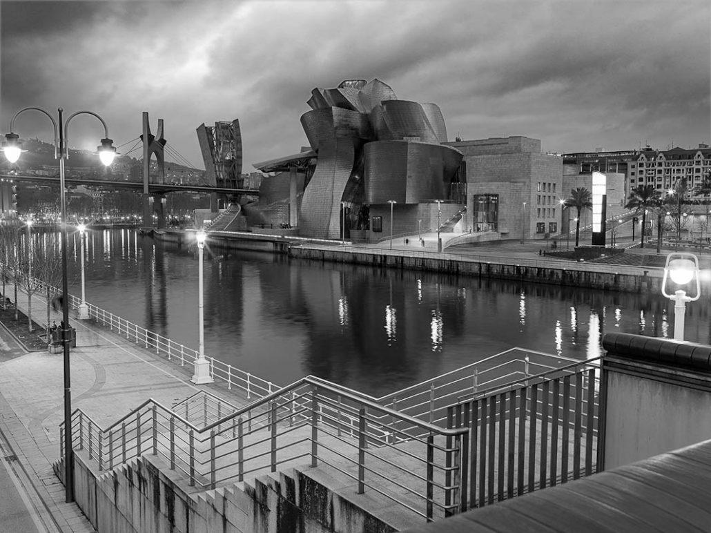 Urban photo. Guggenheim museum. Black and white photo