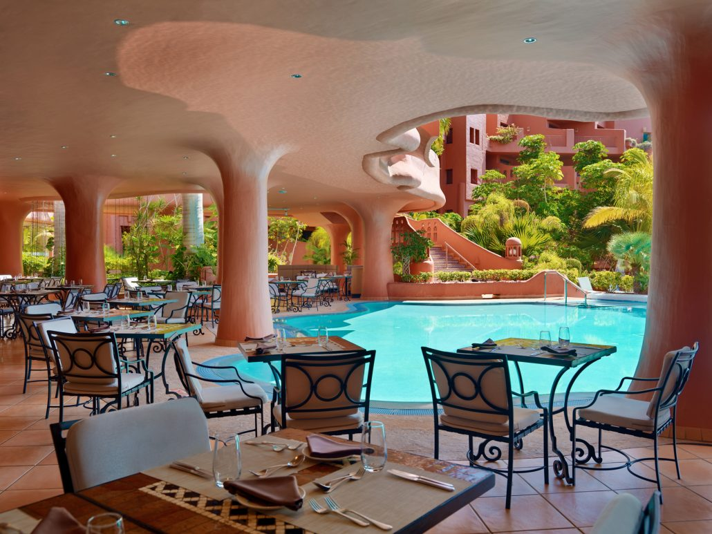 El Parador restaurant, terrace. Sheraton La Caleta