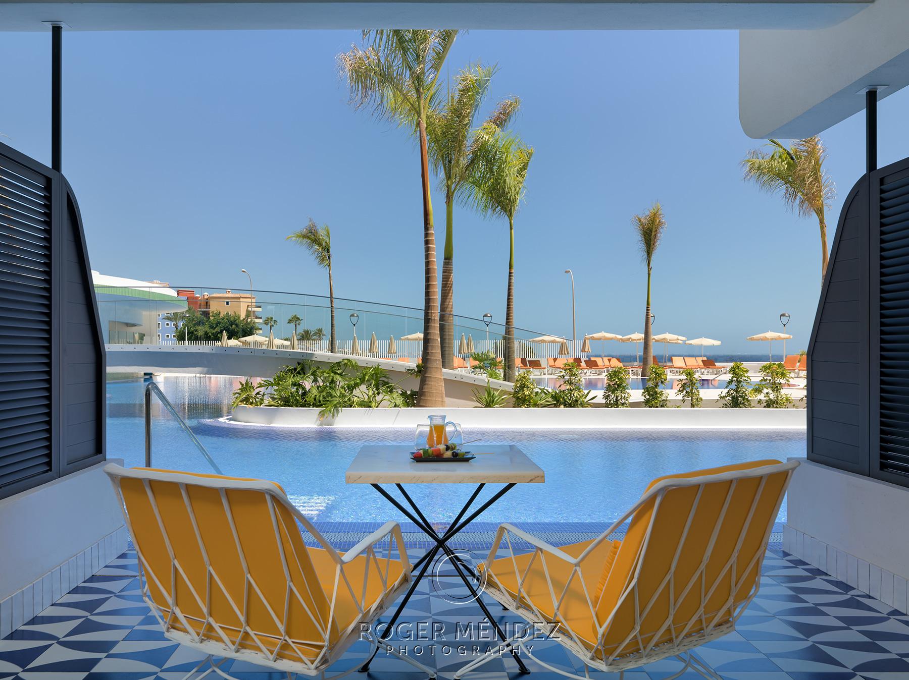 Swim Up Room terrace H10 Atlantic Sunset