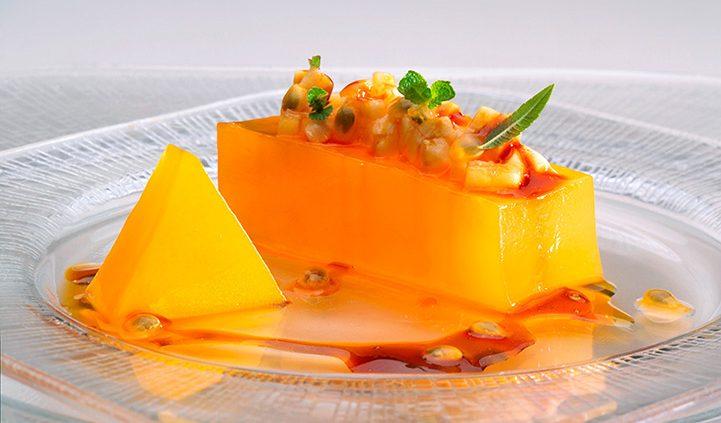 """New photos for the book """"Cocina de Canarias. La evolución"""" Photo of passion fruit with banana"""