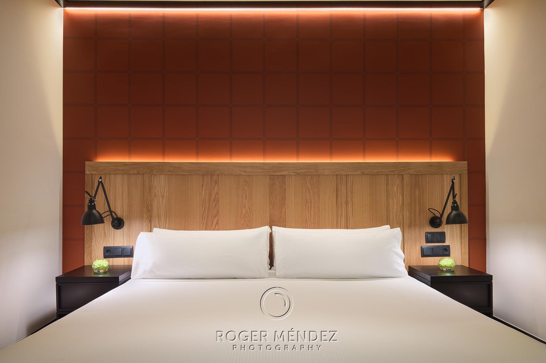 Bedroom headboard  H10 Puerta de Alcalá