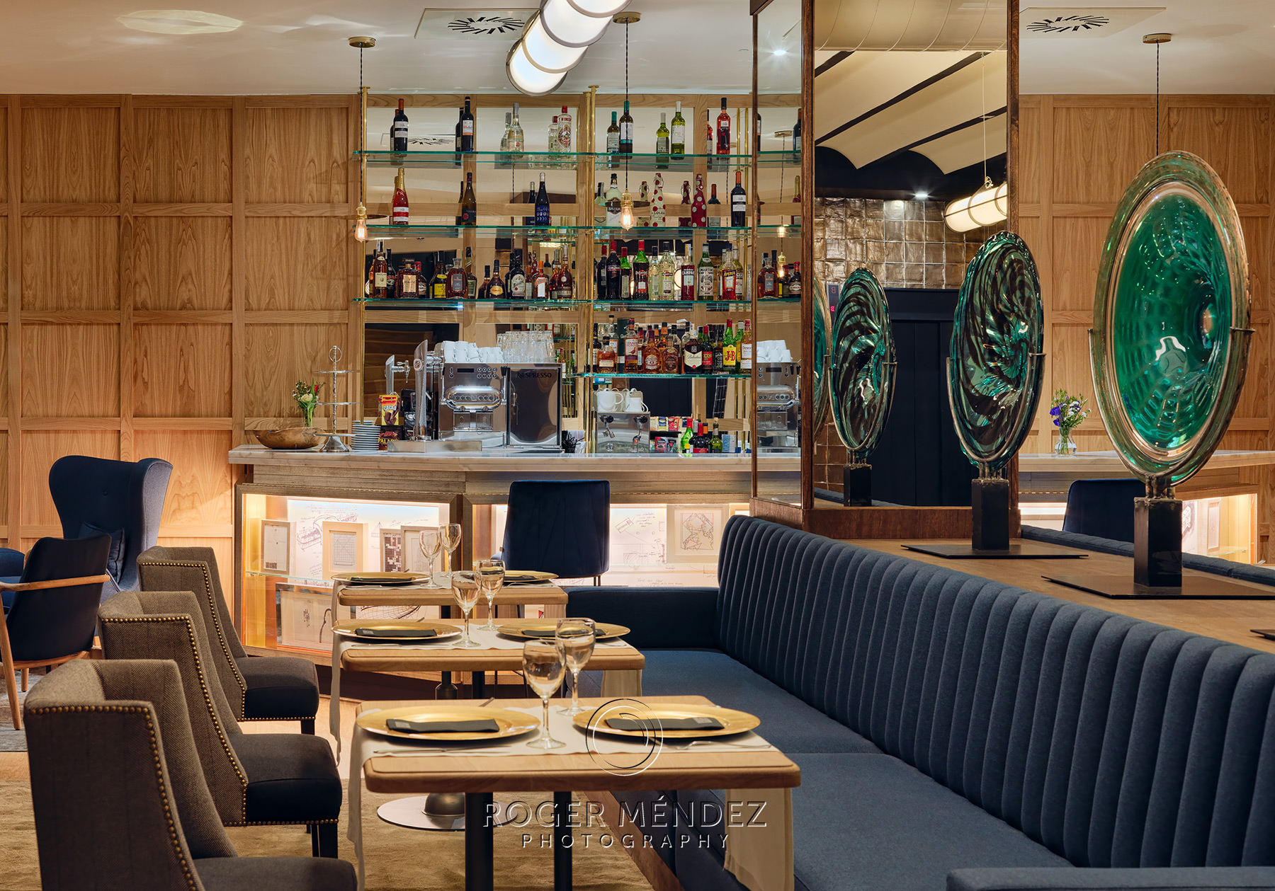 Lobby bar detail for H10 Puerta de Alcalá