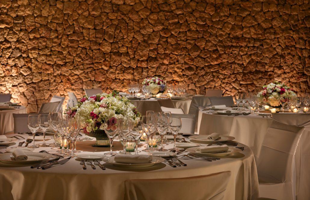 Aguas-de-Ibiza-Detalle-mesa-banquete