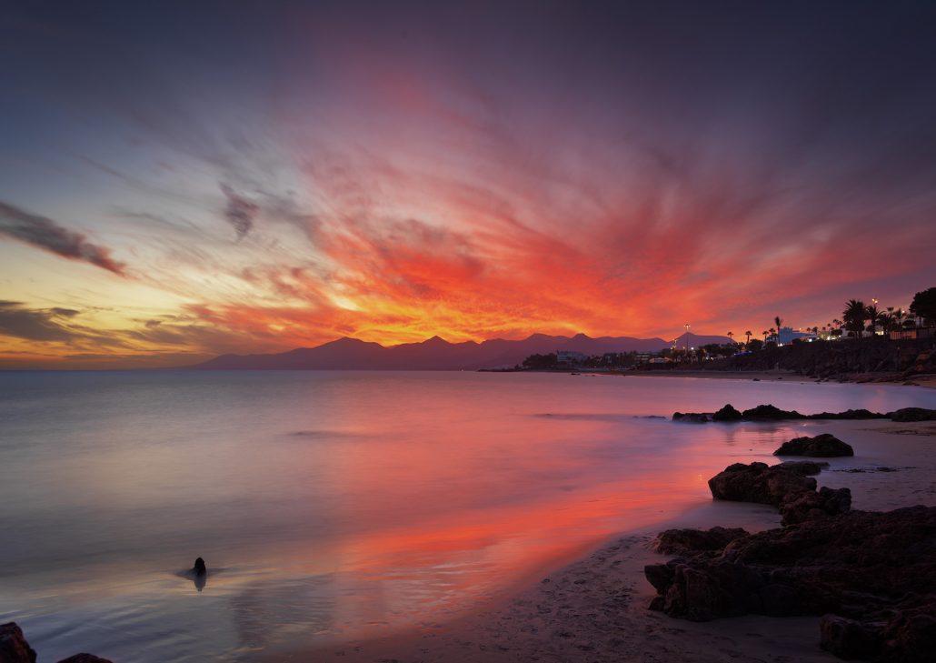 Puerto del Carmen al anochecer , Lanzarote