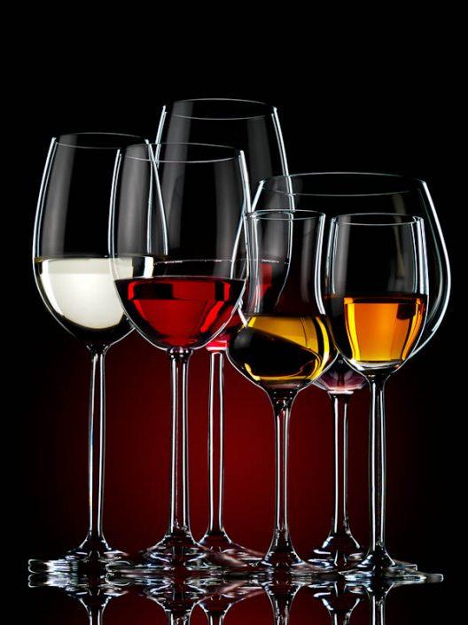 Fotografía de copas de vino. Bodegón