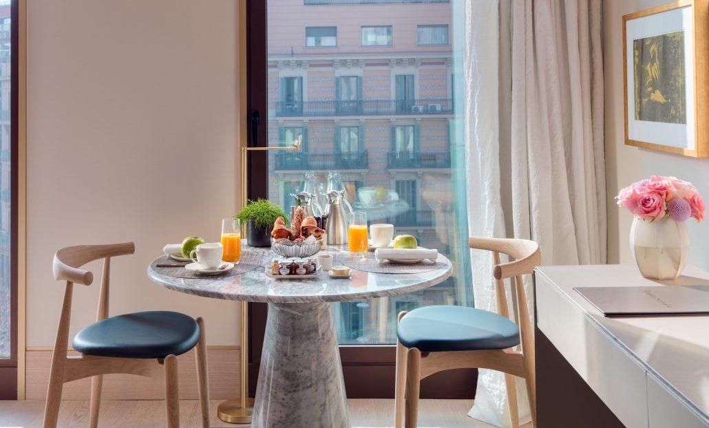 The One Barcelona-Mesa-montaje-desayuno