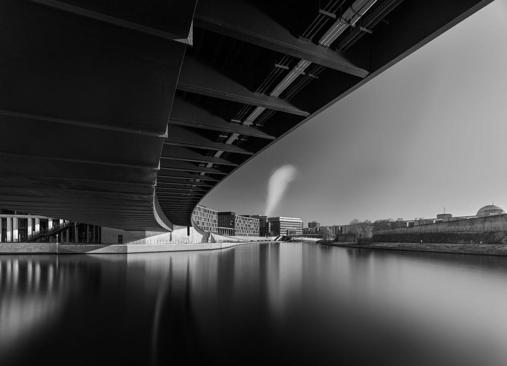 Berlin. Puente de Hugo Preuss . Foto Blanco y negro