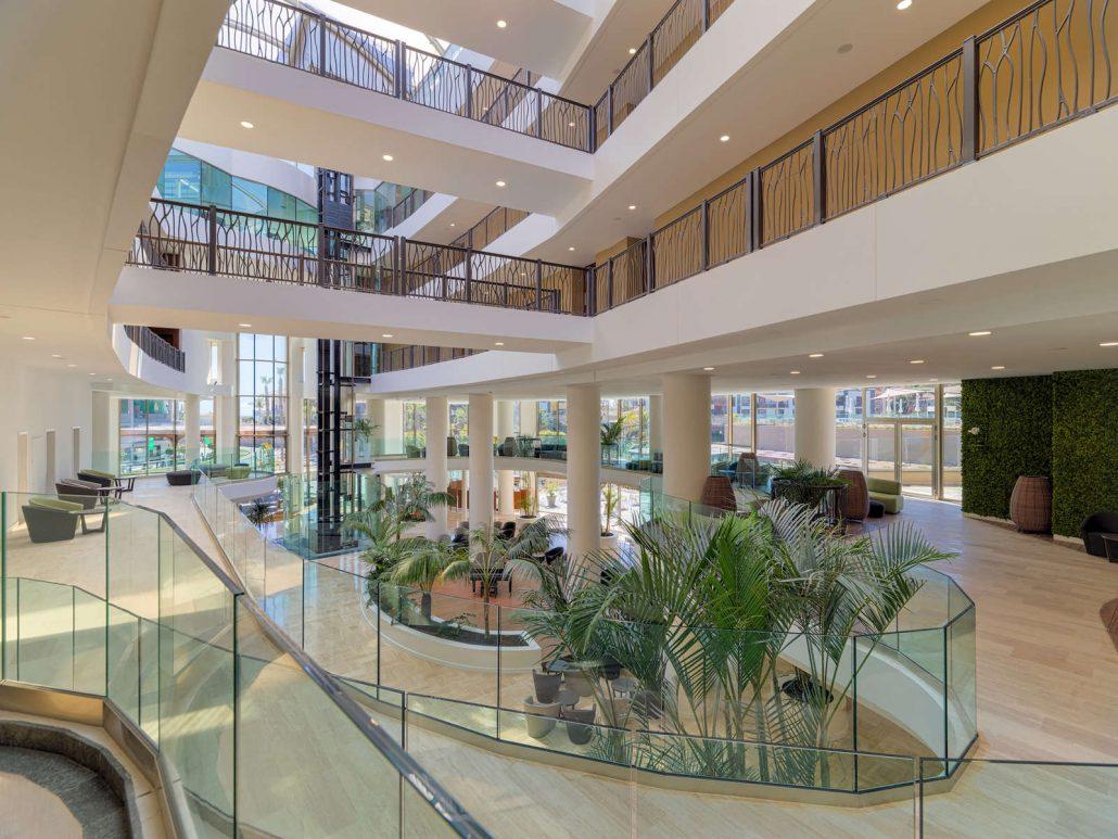 Gran hotel GF Victoria-12-4-18_lobby-de-dia