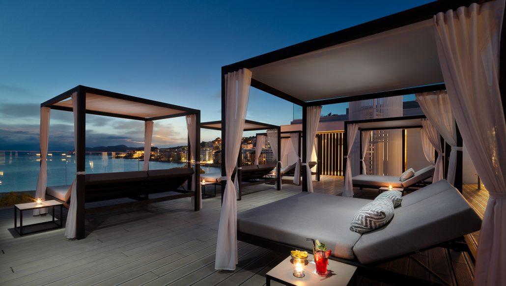 H10 Casa del Mar-Terraza-Chill-Out-planta-4-al-anochecer