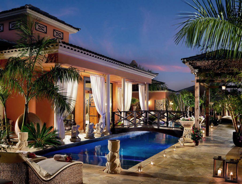 Royal_Garden_Villas-Reception_at_sunset