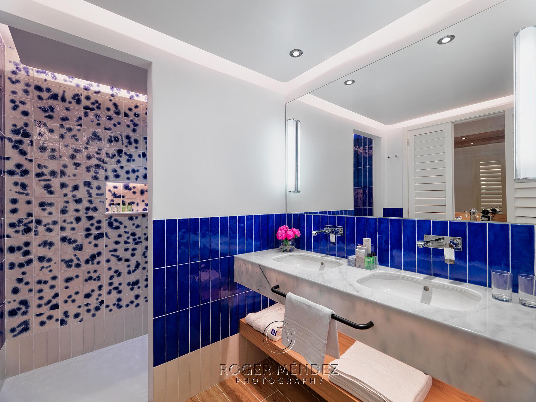 fotografía del baño de la habitación piloto del resort 5 estrellas H10 Atlantic Sunset