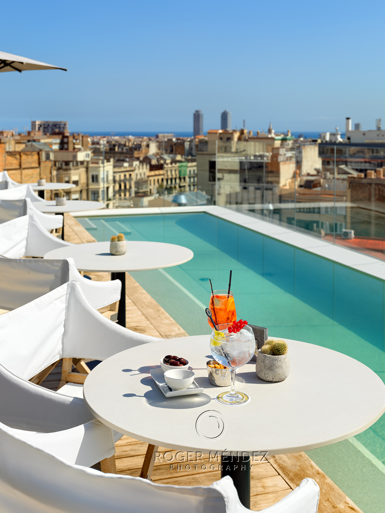 Terraza plunge pool. Montaje Cocktail . The One Barcelona