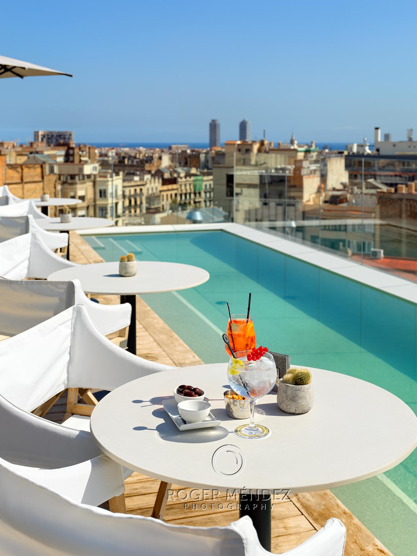 Terraza plunge pool. Montaje Cocktail . The One Barcelona