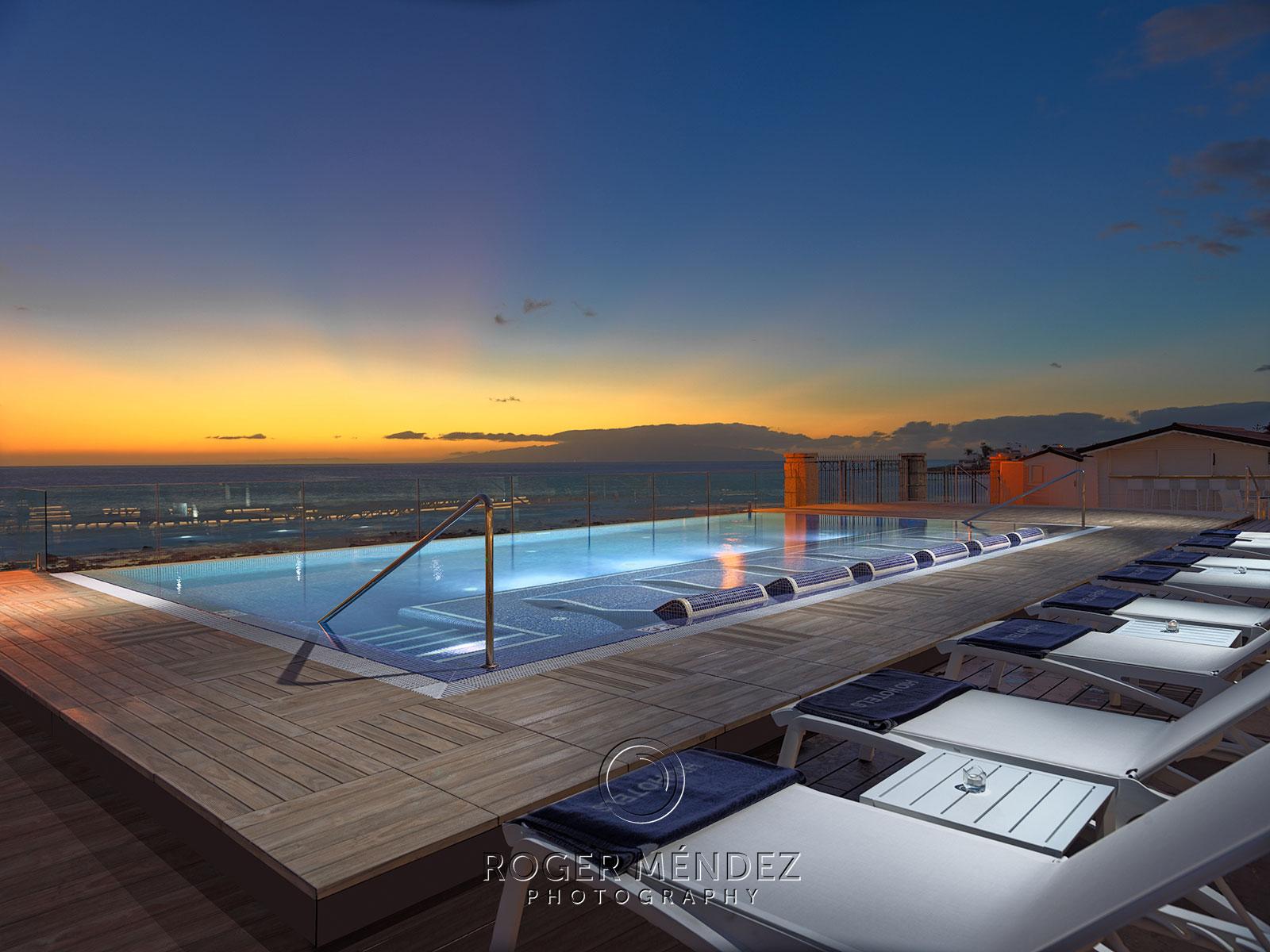 H10 Costa Adeje Palace puesta de sol en infinity poo