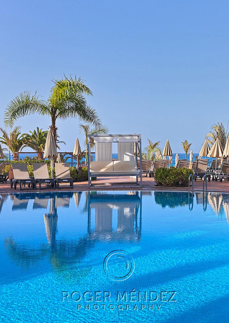 Imagen de Detalle piscina principal del H10 Costa Adeje