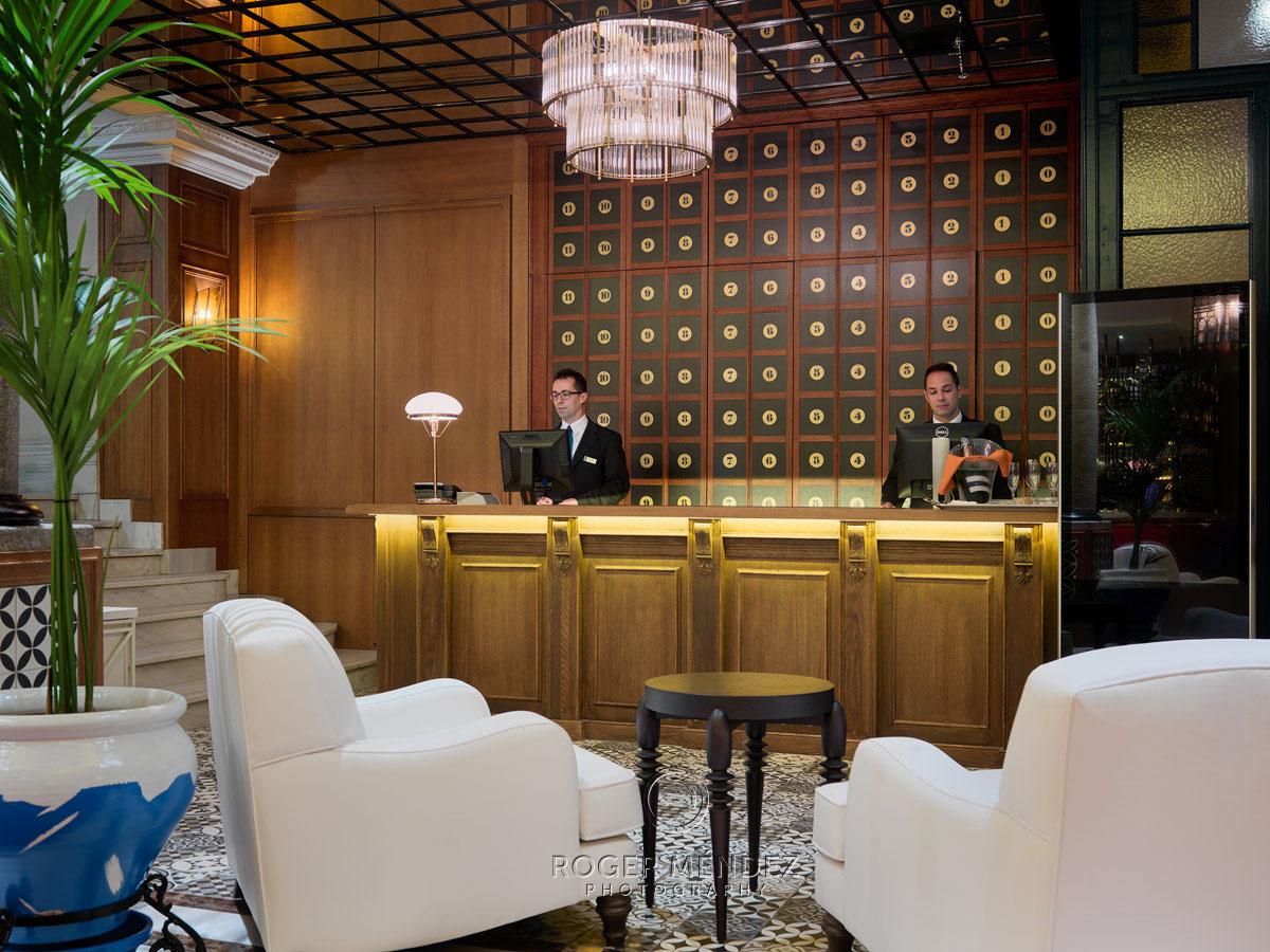 H10 Villa de la Reina Lobby detalle