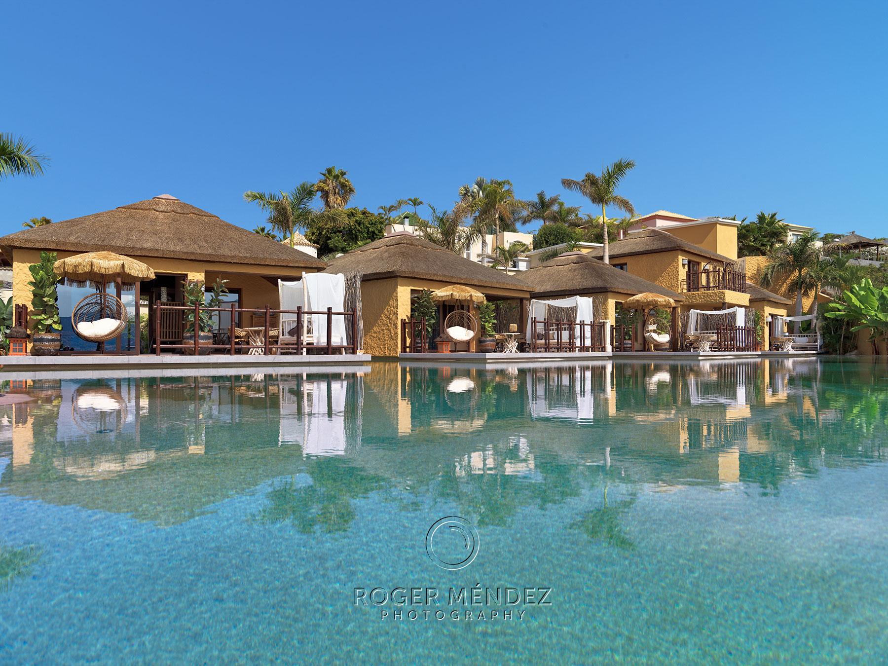 Piscina Lagoon Villas de día del hotel de lujo Royal River