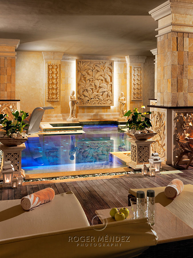Royal Garden Villas. Spa. piscina interior