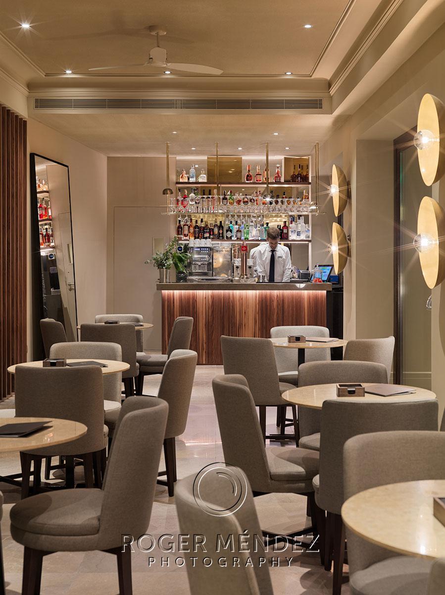 Fotografía de Lobby bar del hotel de noche