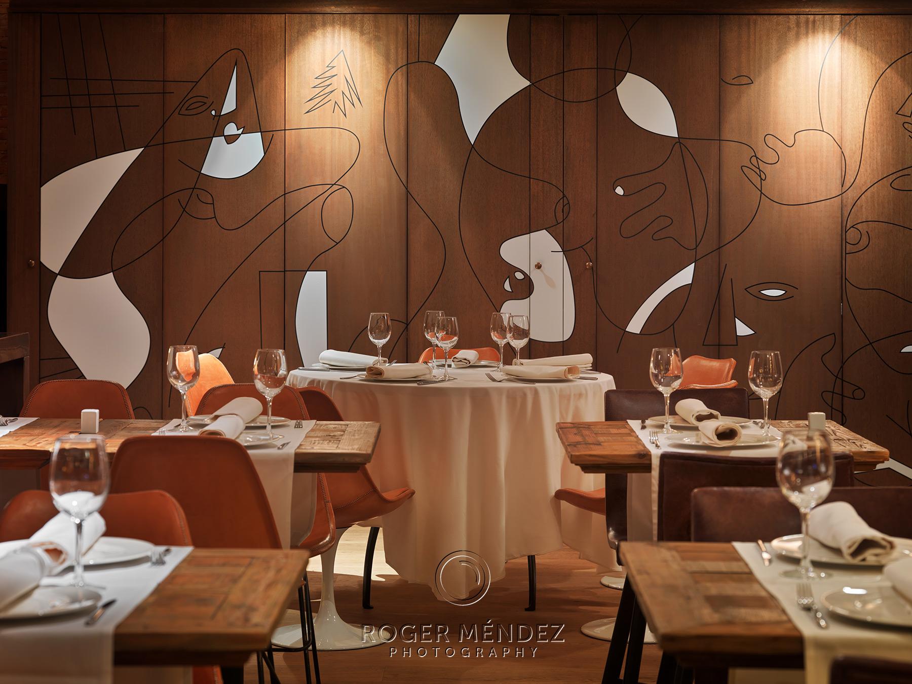 Detalle restaurante Soho. Montaje cena