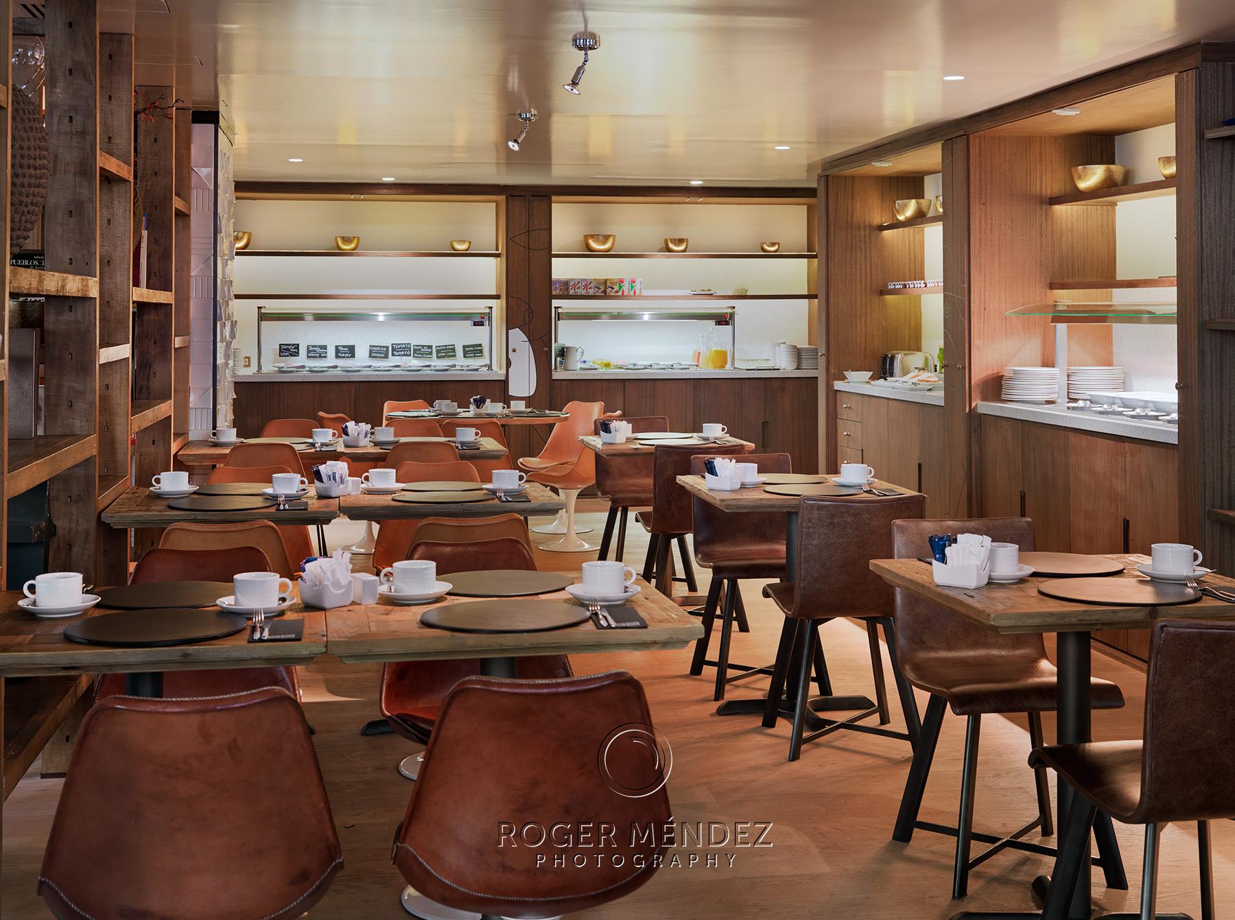 Restaurante Soho. Montaje desayuno