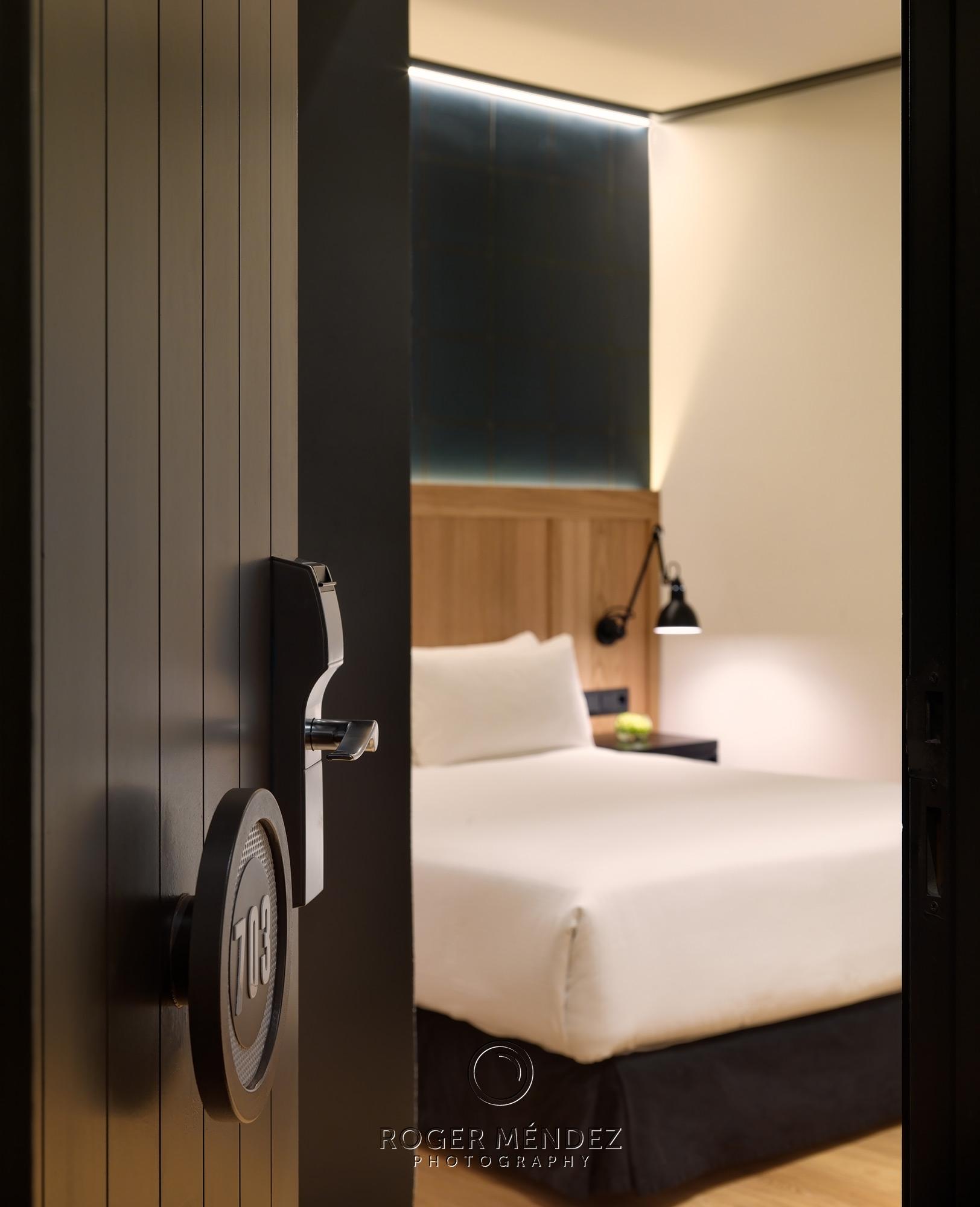 Detalle fotografía de habitación del hotel H10 Puerta de Alcalá