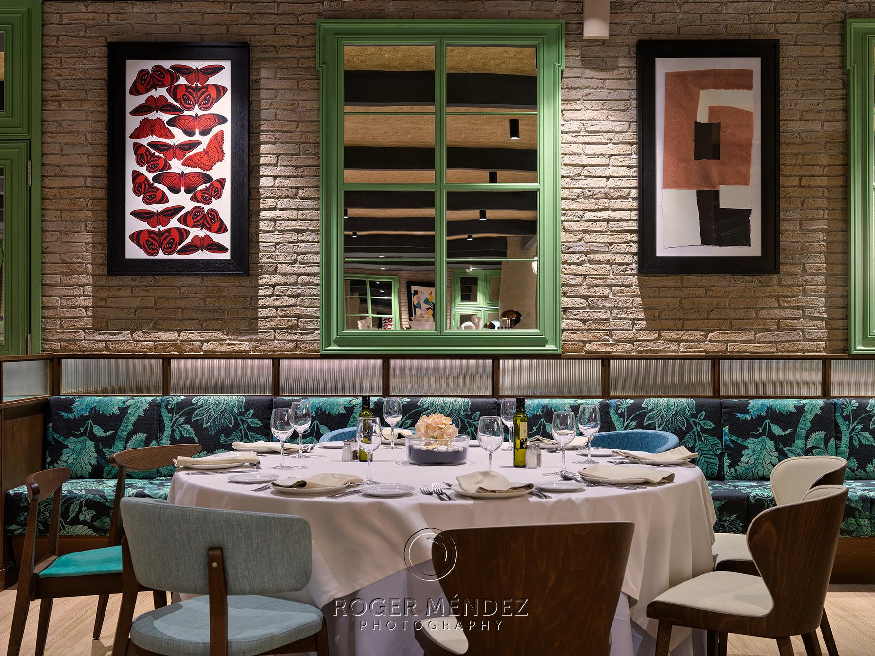 Fotografía montaje restaurante Dionissos para el H10 Marina Barcelona