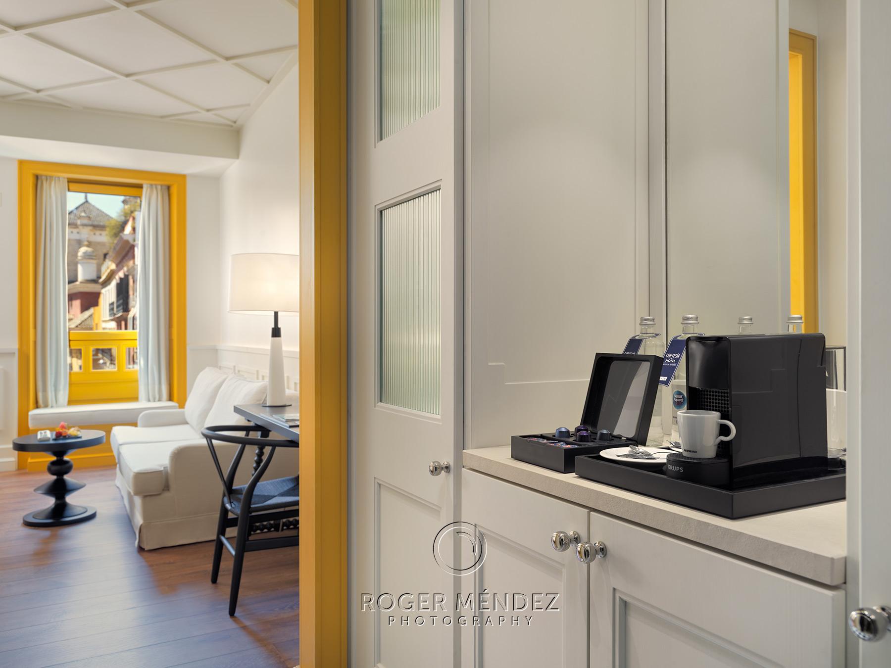 Detalle cafetera habitación hotel H10 Casa de la Plata