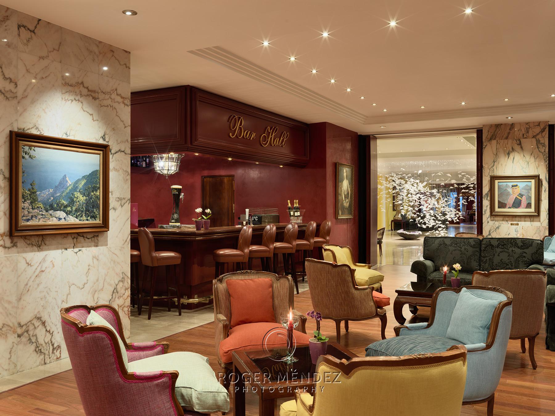 Bar Hall vista lobby